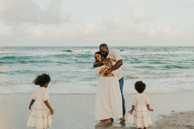 Family Beach Maternity Photoshoot Ideas + Pose & Outfit Inspiration